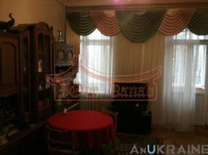 4-комн., 100 кв. м., Старосенная площадь, Центр, Одесса, Приморский район