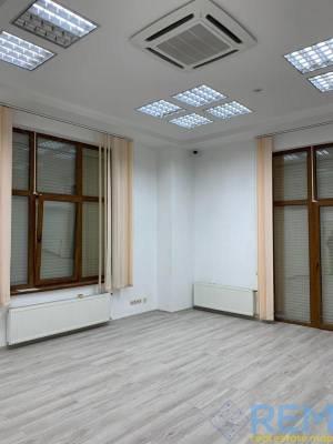Офис, Ониловой пер, 321 кв. м., Центр, Одесса, Приморский район