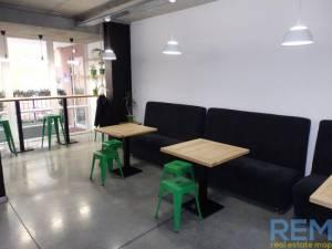 Кафе-бар, Массив Радужный, 121 кв. м., Таирова, Одесса, Киевский район