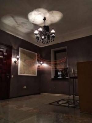 Дом, Фонтан, 11-комн., 300 кв. м., Цветочная, Одесса, Киевский район